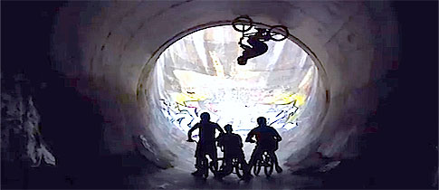 BMX-16ft-Full-Pipe-Loop-Red-Bull-Full-Circle