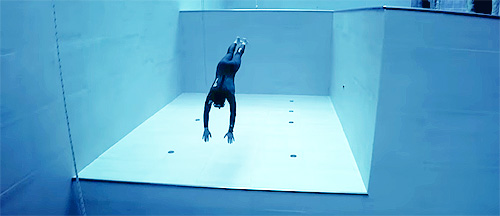 Guillaume-Nery-Freedives-the-Worlds-Deepest-Pool